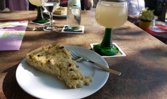 Federweisser und Zwiebelkuchen